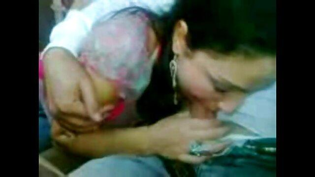 عزیزم کالج سوپر بکن بکن هندی پورنو تبلیغاتی یک غریبه را لعنتی می کند و پرستو می کند