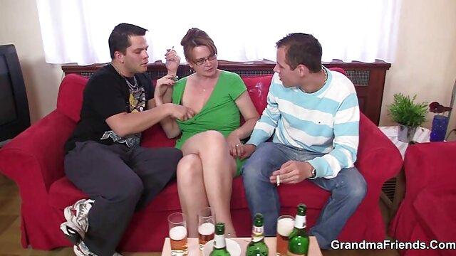 milf داغ پخش فیلم سوپر بکن بکن آمریکایی جولیا آن خروس سخت را می مکد